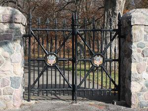 gate-feature